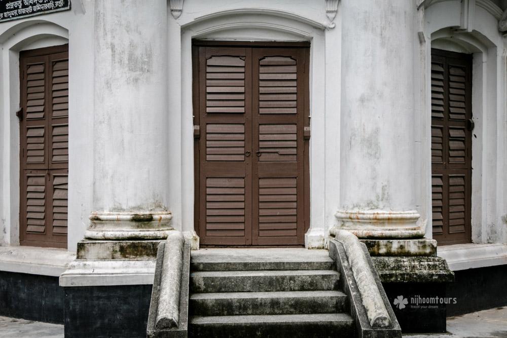 Doors at Tajhat Palace