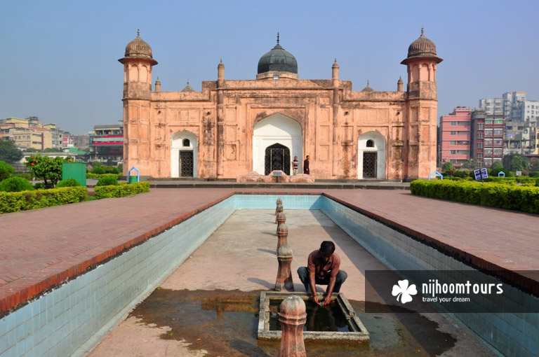 Lalbagh fort, one of the key tourist attractions in Dhaka - number nine on our list of the best archaeological sites in Bangladesh