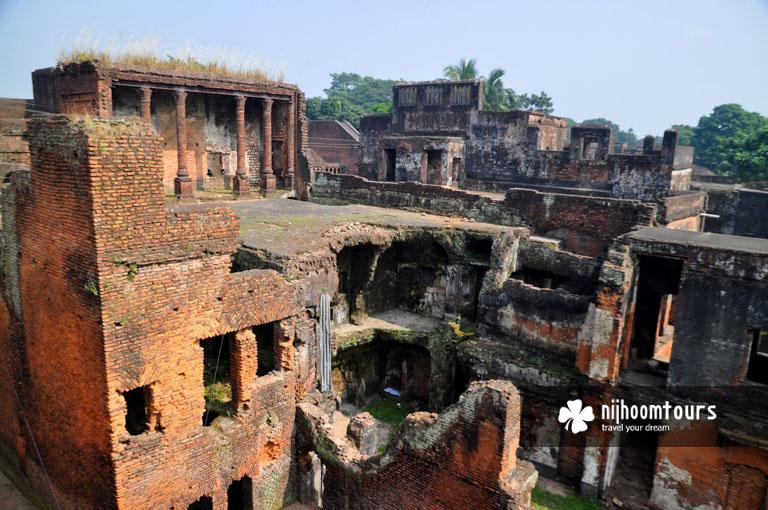 Photo of the decoying houses at Panam Nagar in Sonargaon