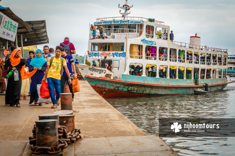 Photo of passengers arriving at Sadarghat Riverport in Old Dhaka