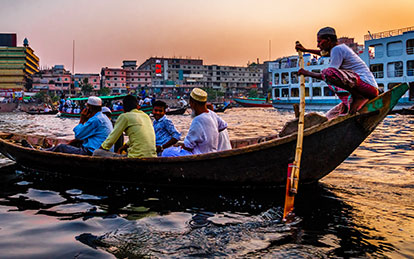 Photo of live and vibrant Sadarghat waterfront in Old Dhaka city day tour